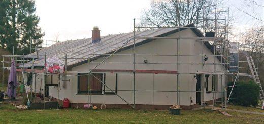 Eingerüstetes Clubhaus