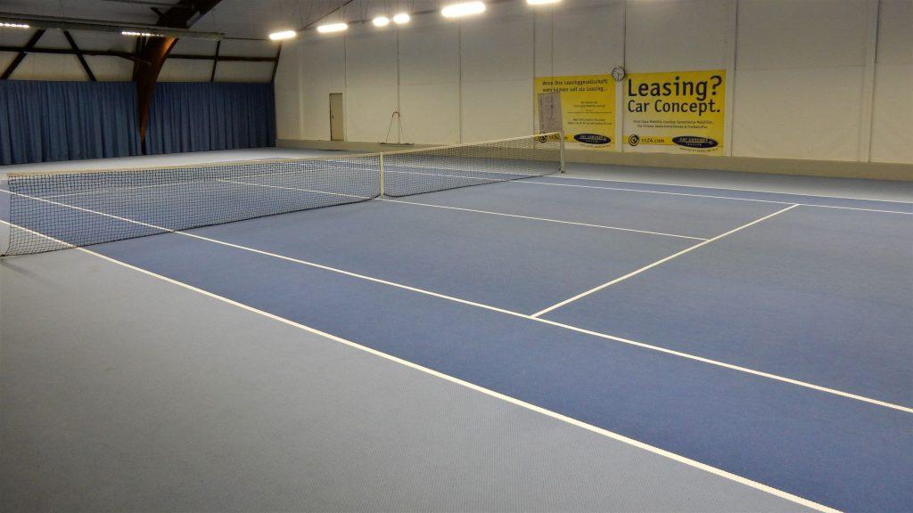 Indoor-Tennisplatz der Tennishalle